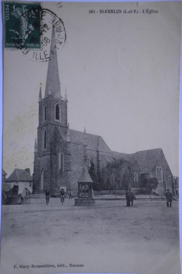 1908 Eglise et la place avec le puits
