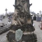 Tombe de Frédérique Deschamps entrée du cimetière